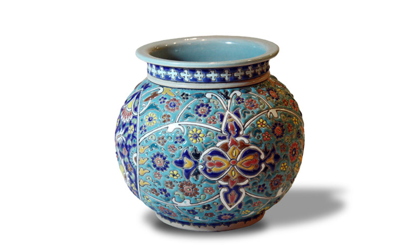 Pottery in Iranian market